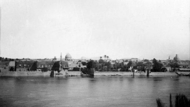 Pemandangan Kota Baghdad dan Sungai Tigris